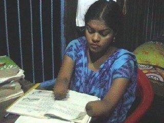 শারীরিক প্রতিবন্ধী শিক্ষার্থী ফাল্গুনি সাহা ২০১১ – ১৪